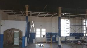Saalrenovierung im Gasthof Weissig - Ein Gitter wird sichtbar